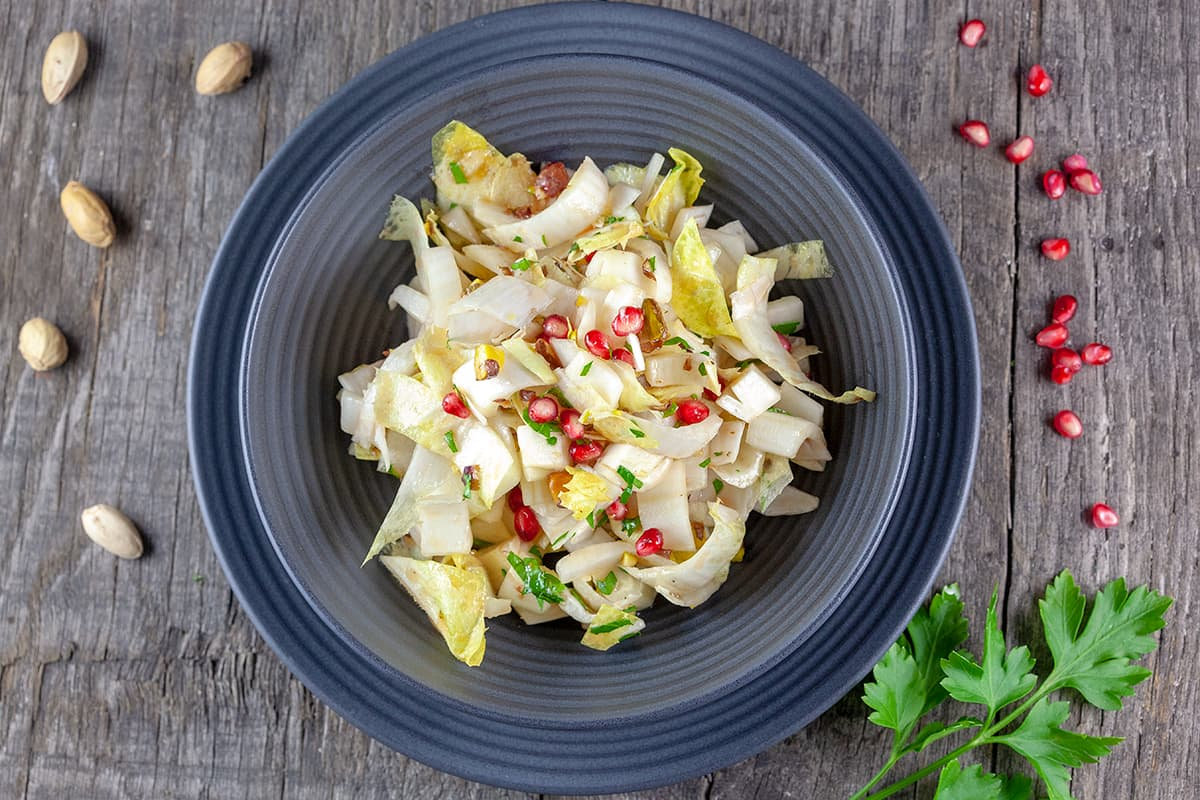 Chicory salad with pomegranate