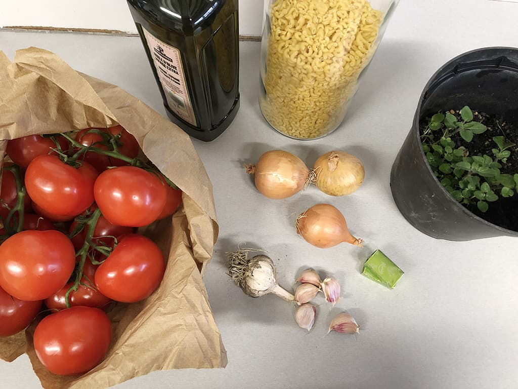 Slow cooker tomato soup ingredients