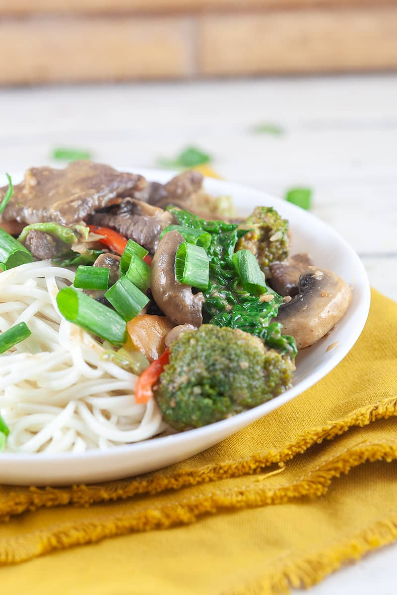 Stir-fried beef with peanut sauce