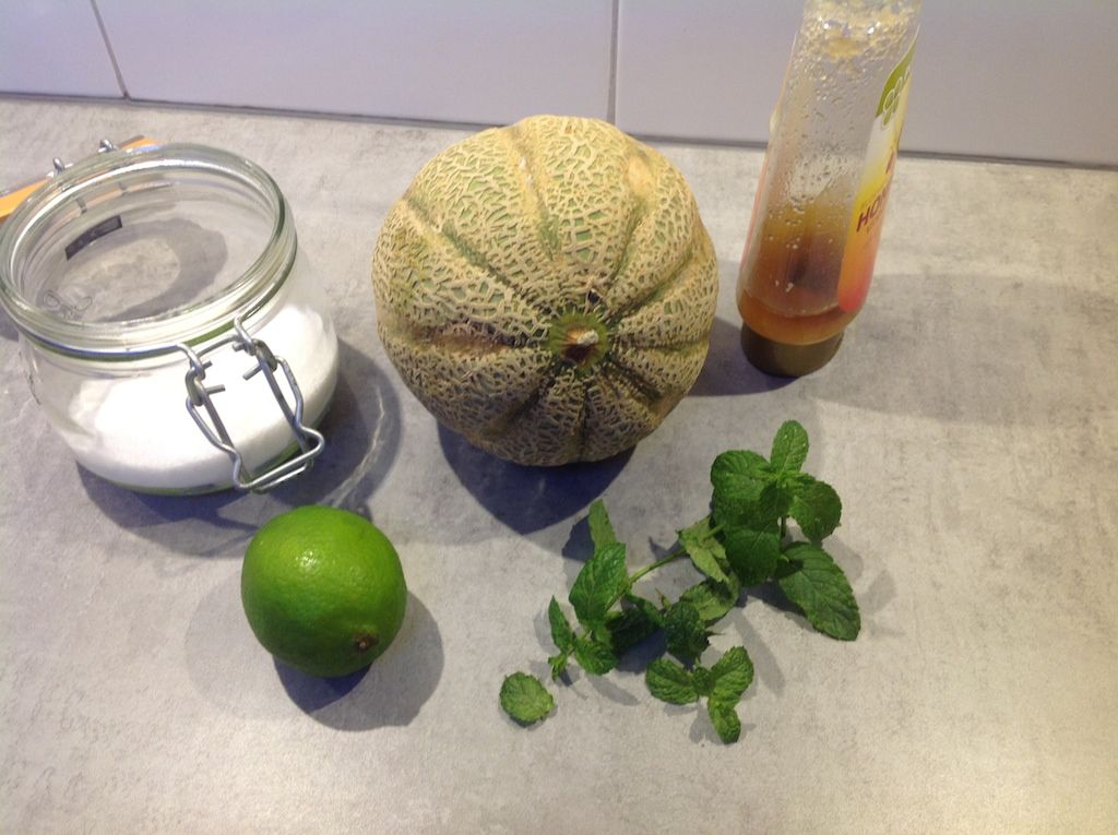 Cantaloupe with lime, mint and honey ingredients