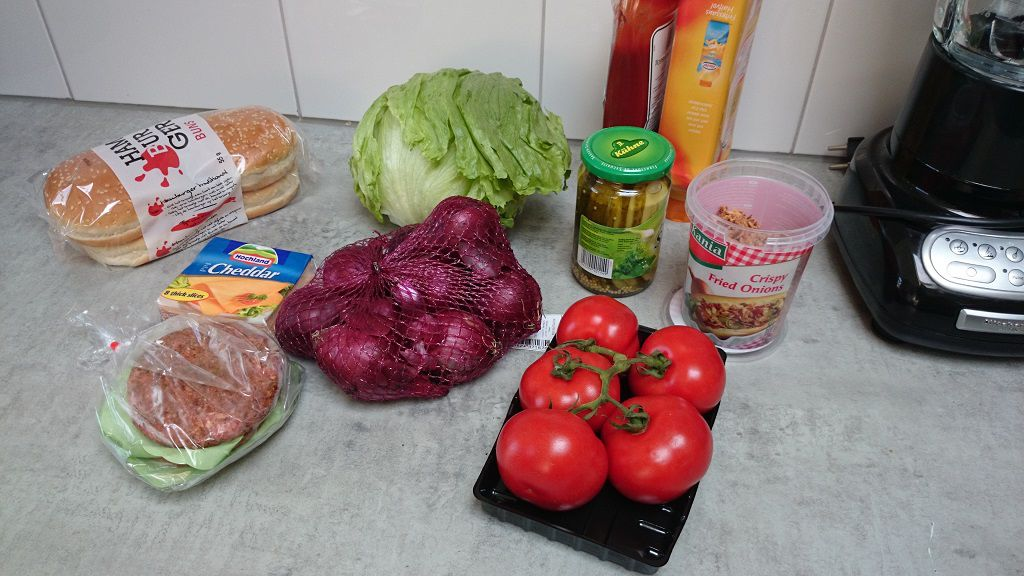 Classic cheeseburger ingredients