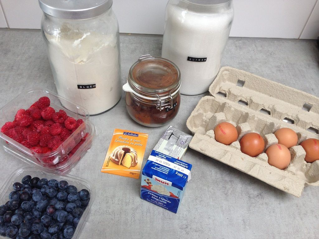 Raspberry cake ingredients