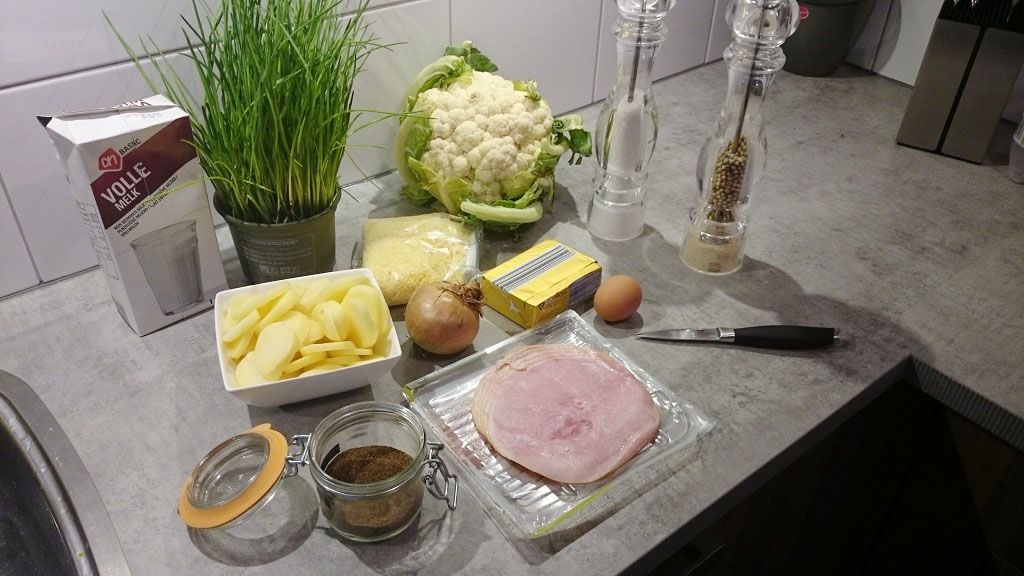 Cauliflower casserole with ham and cheese ingredients