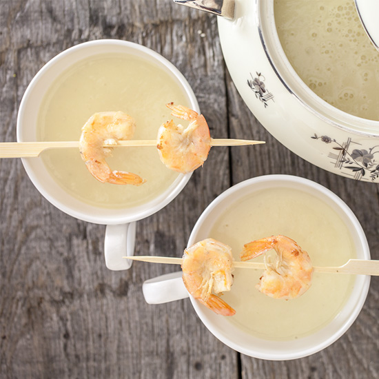 Jerusalem artichoke soup with scampi square - Jerusalem artichoke soup with scampi