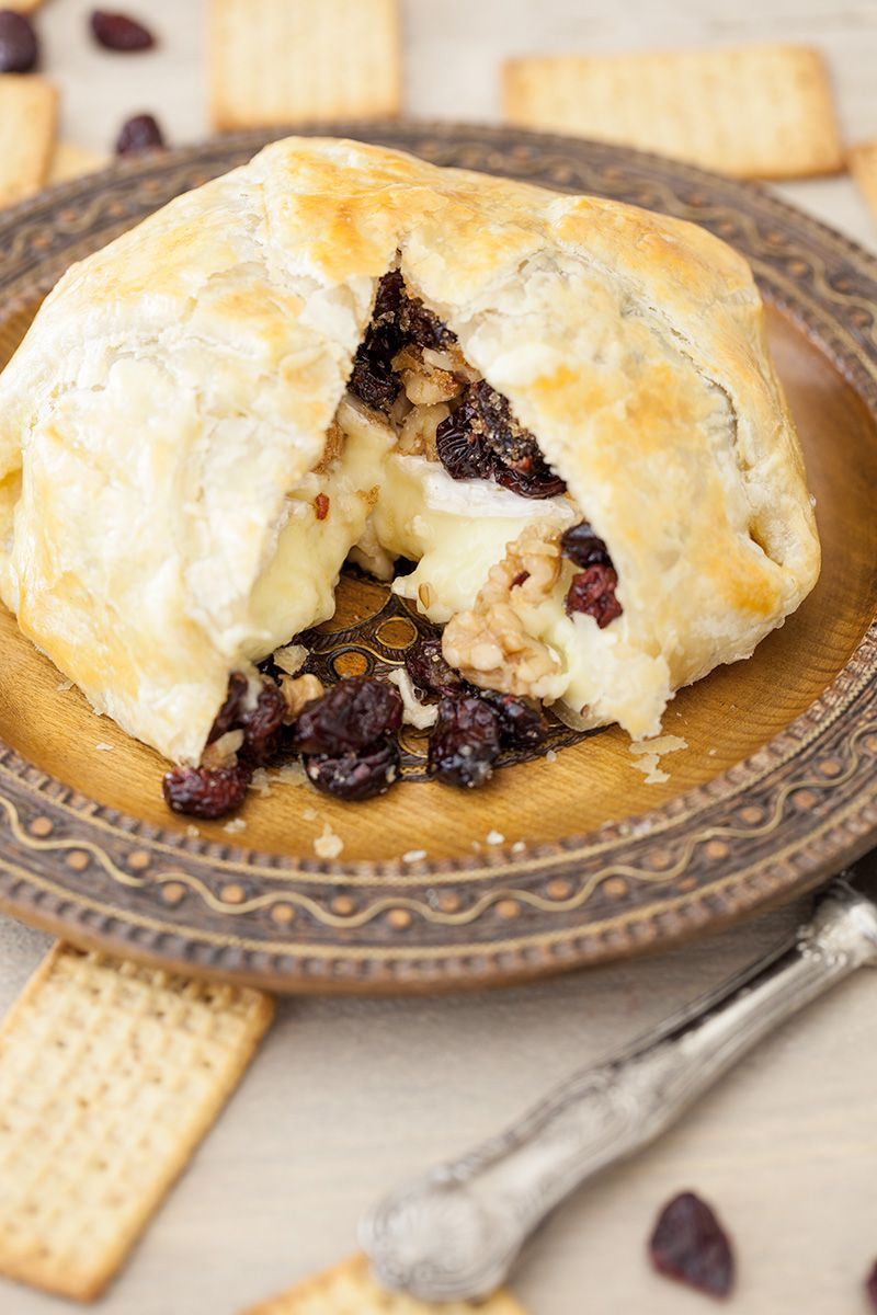 Baked camembert in pastry