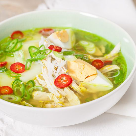 Chicken noodle soup square - Malaysian chicken noodle soup