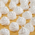 Mini meringues 120x120 - Sweet and sour warm grapes with mini meringues