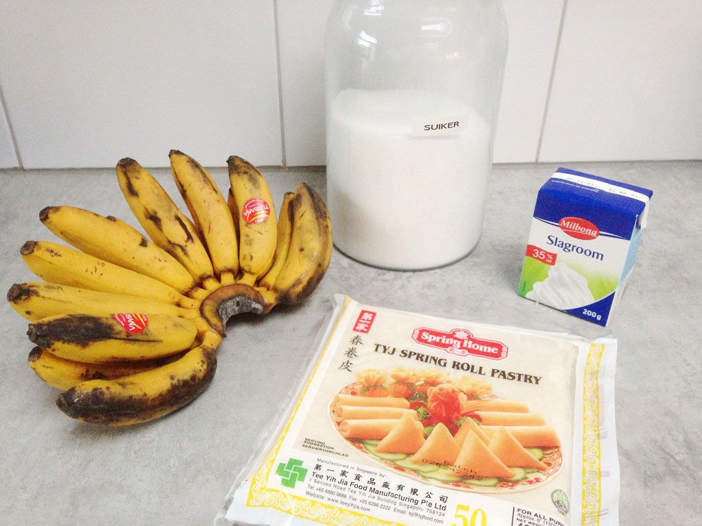 Banana lumpia ingredients - Banana lumpia with caramel sauce
