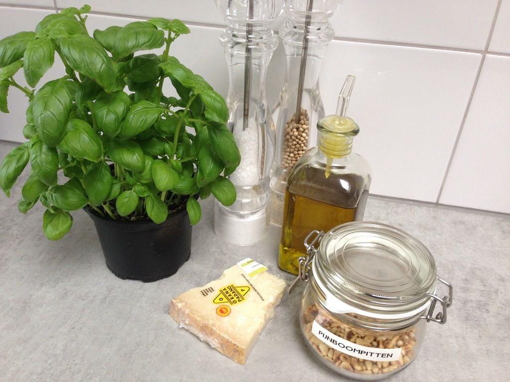 Pesto ingredients - Pesto