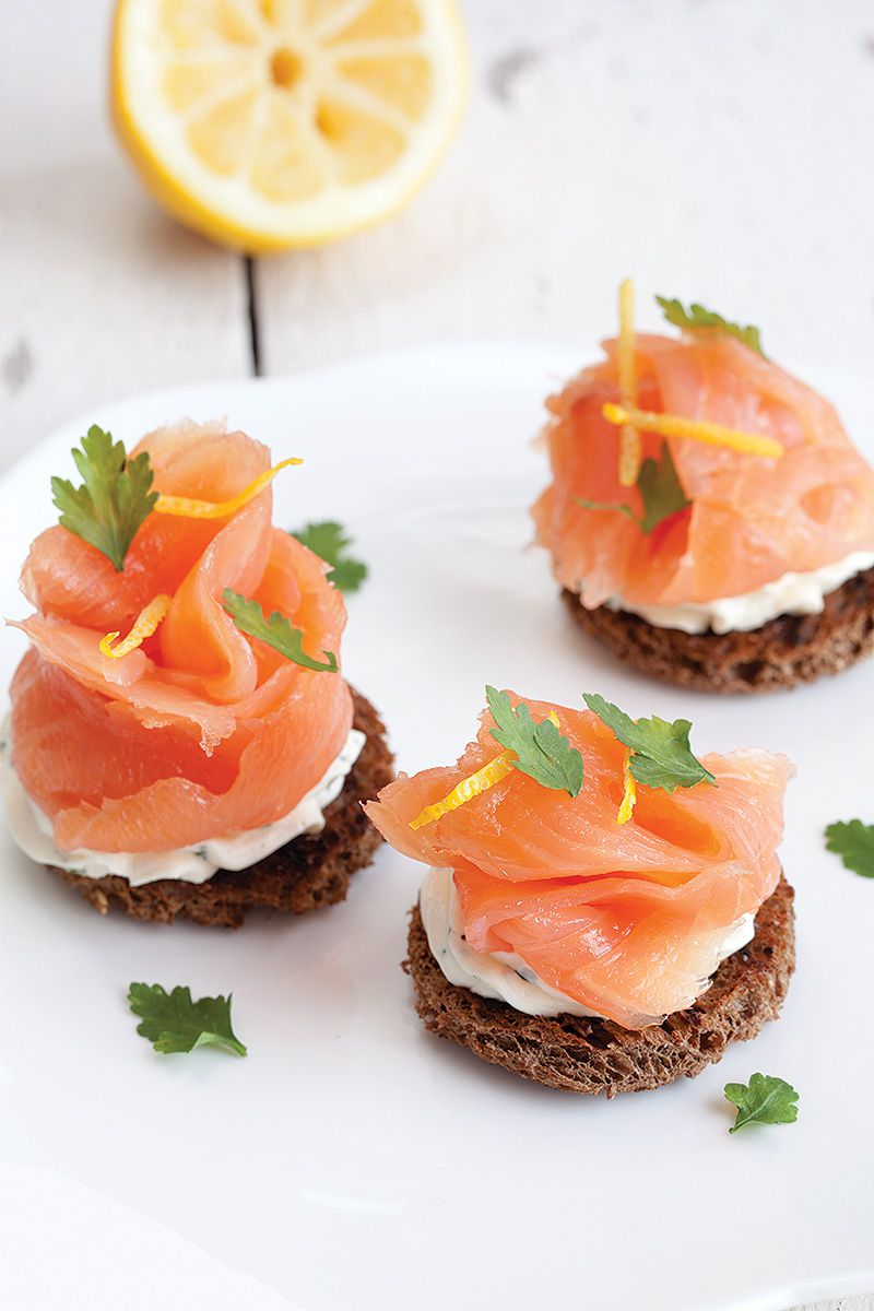 Smoked salmon with herb cheese toast 2 - Smoked salmon with herb cheese toast