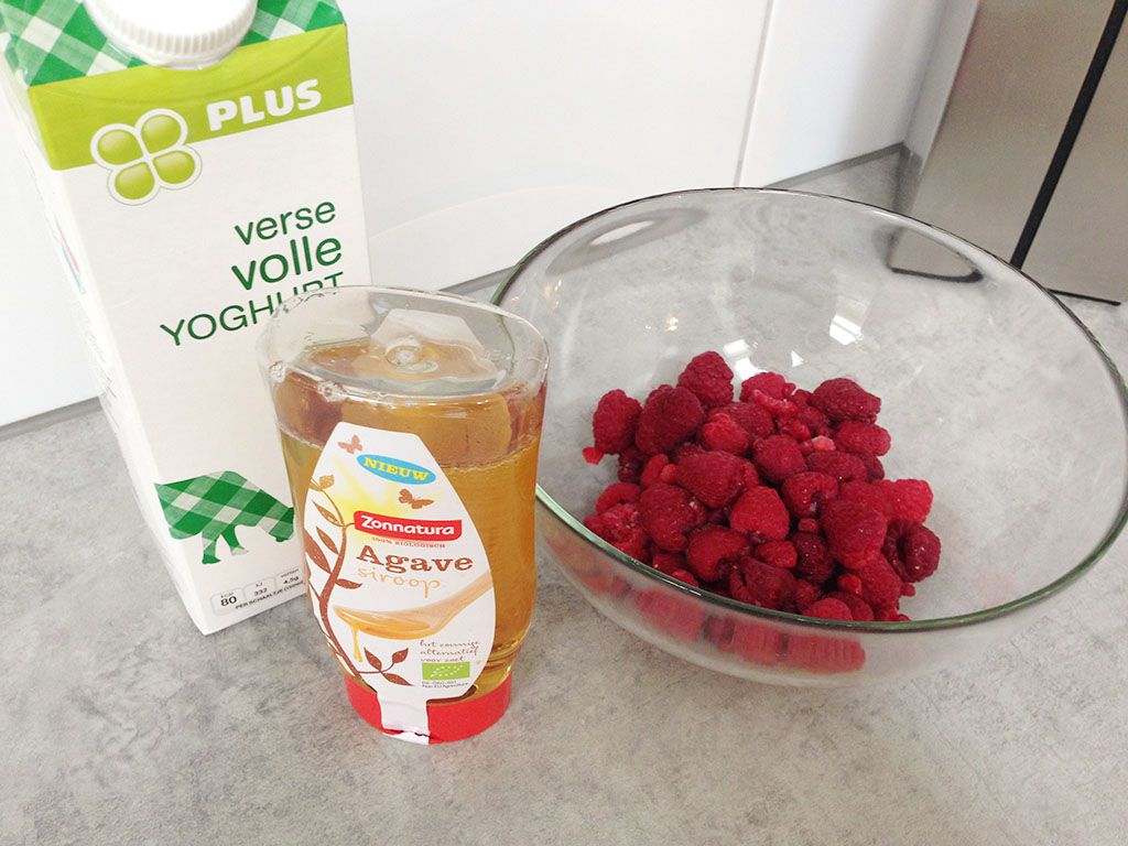 Raspberry frozen yogurt ingredients - Raspberry frozen yogurt