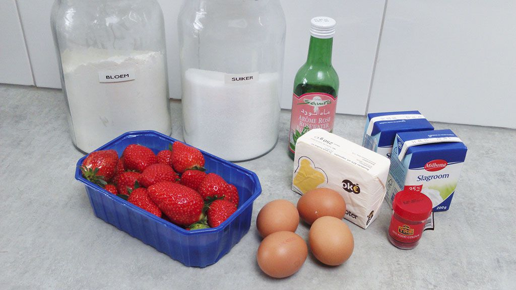 Strawberry eclairs ingredients