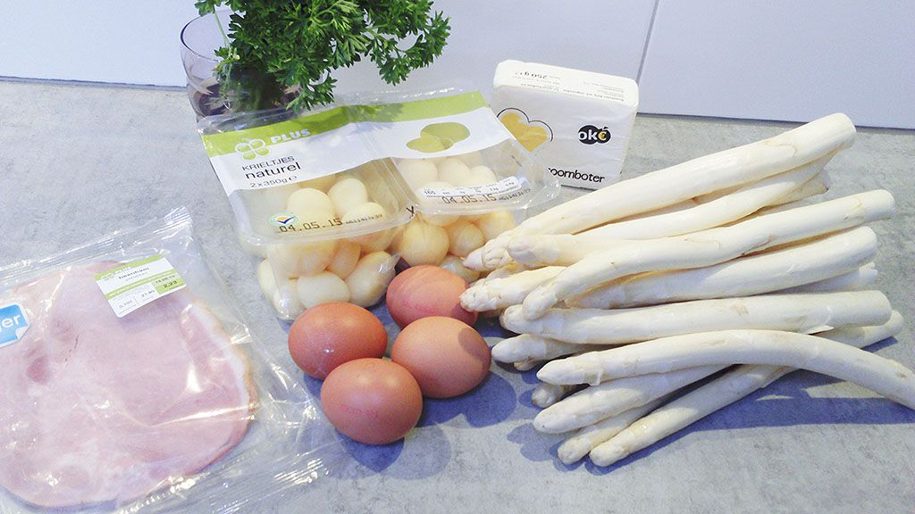 White asparagus and Hollandaise sauce ingredients