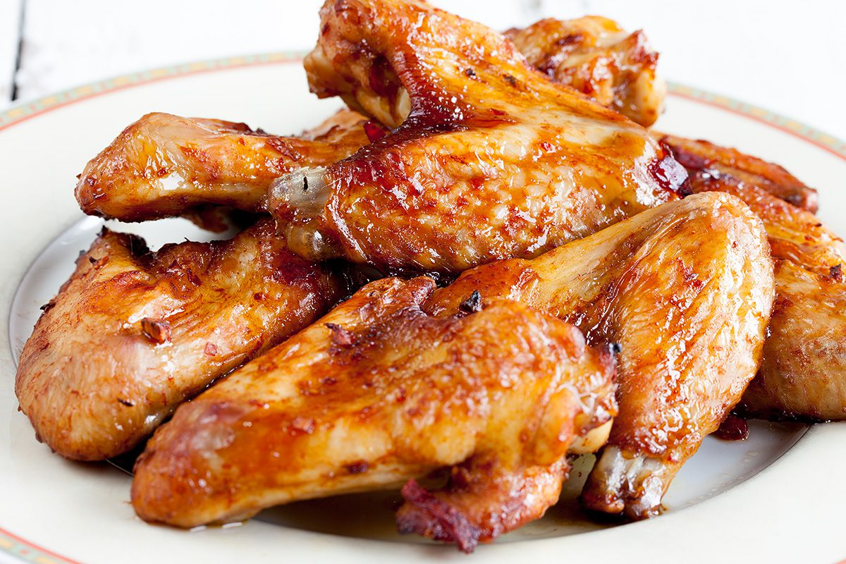 Buffalo style chicken wings - ohmydish.com