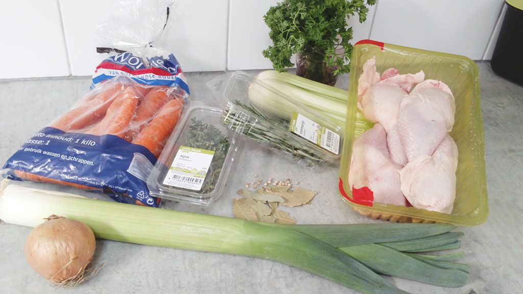 How to make chicken stock ingredients