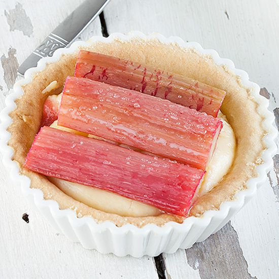 Rhubarb and custard tartlets square - Rhubarb and custard tartlets