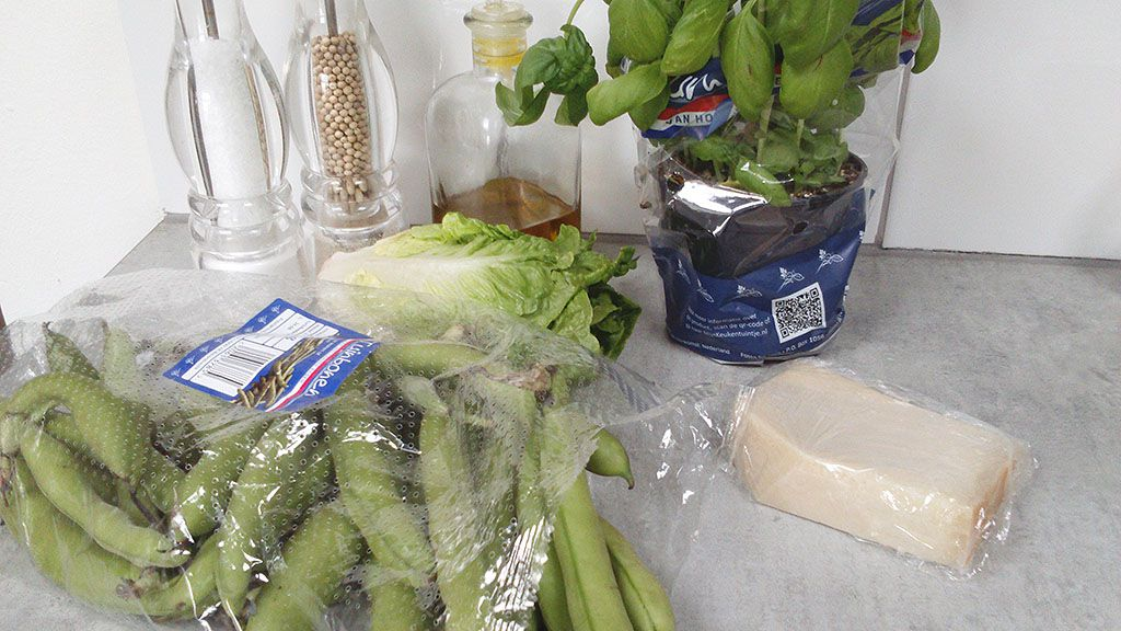 Broad beans salad ingredients