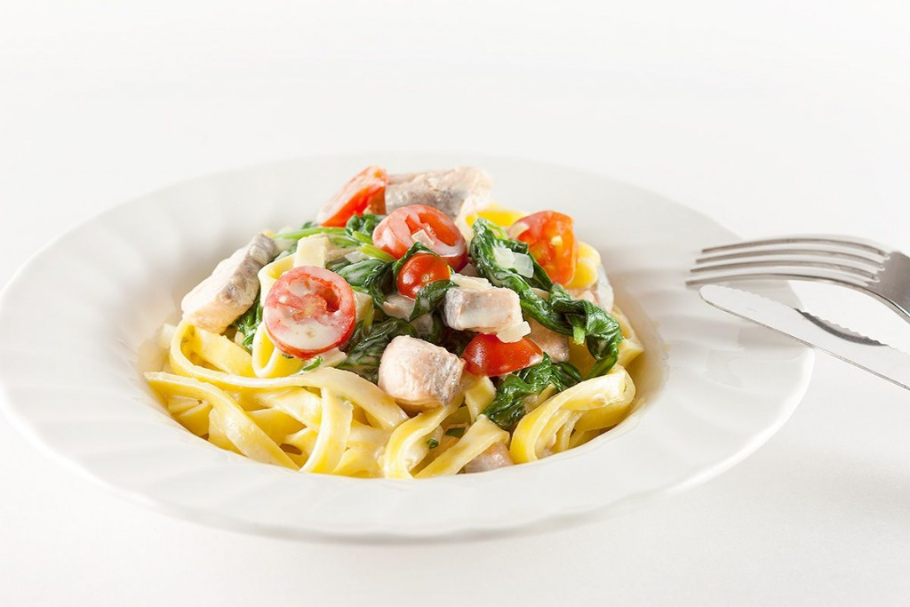 Creamy salmon and spinach tagliatelle