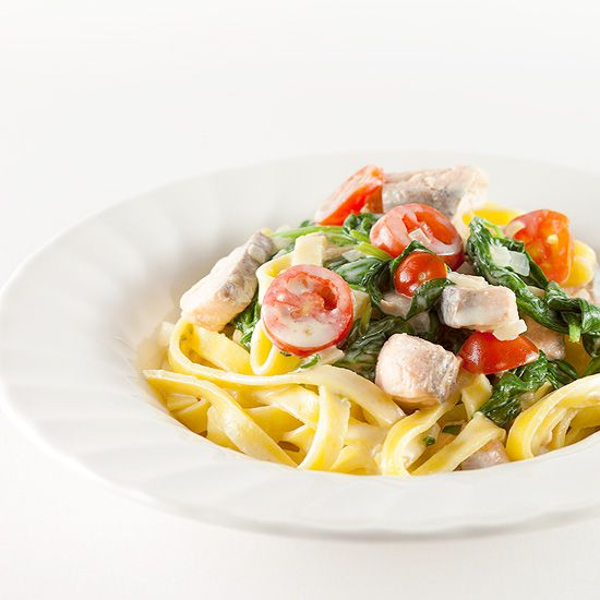 Creamy salmon and spinach tagliatelle square - Creamy salmon and spinach tagliatelle