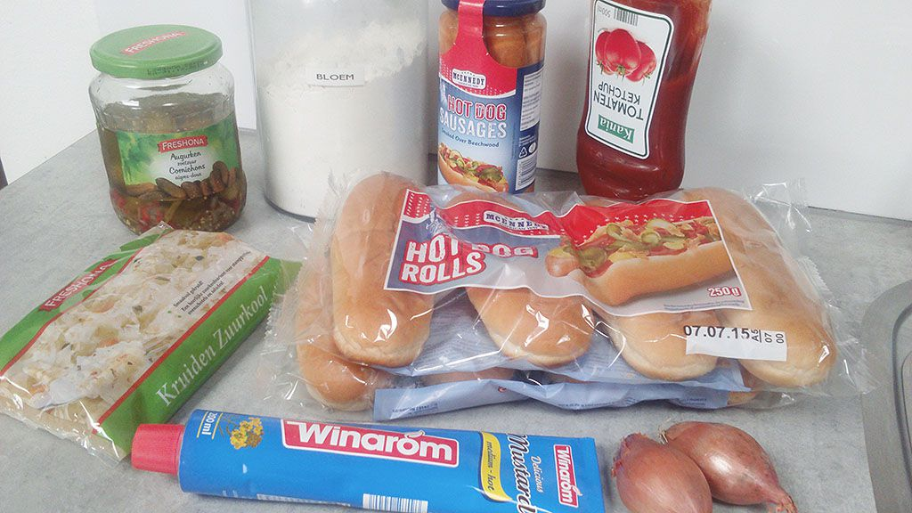 Hot dogs ingredients