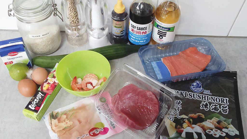 Maki sushi ingredients - Maki sushi