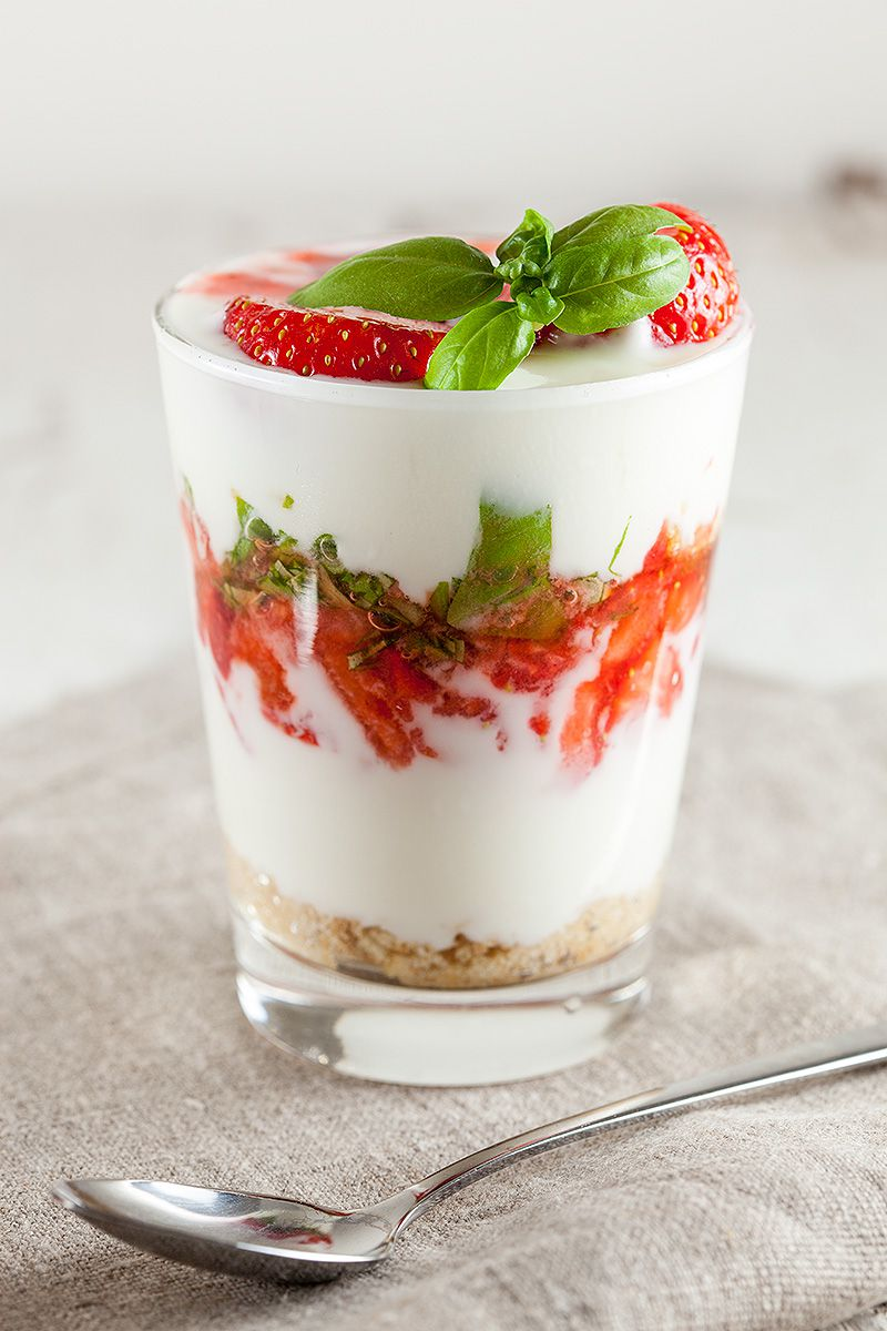 Strawberry yogurt dessert 2 - Strawberry yogurt dessert