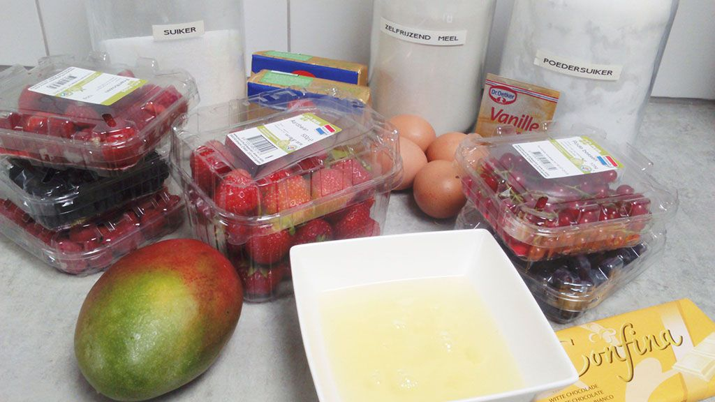 Summer fruit celebration cake ingredients