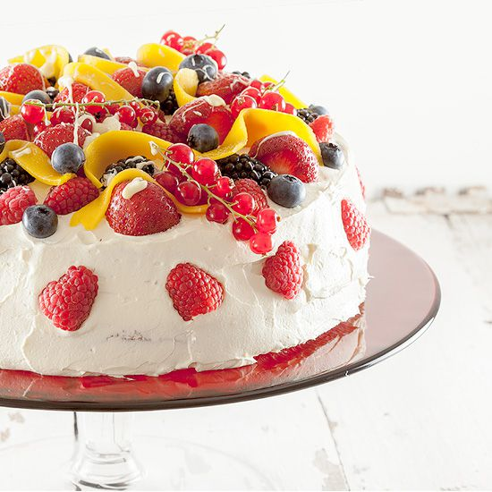 Summer fruit celebration cake square - Summer fruit celebration cake