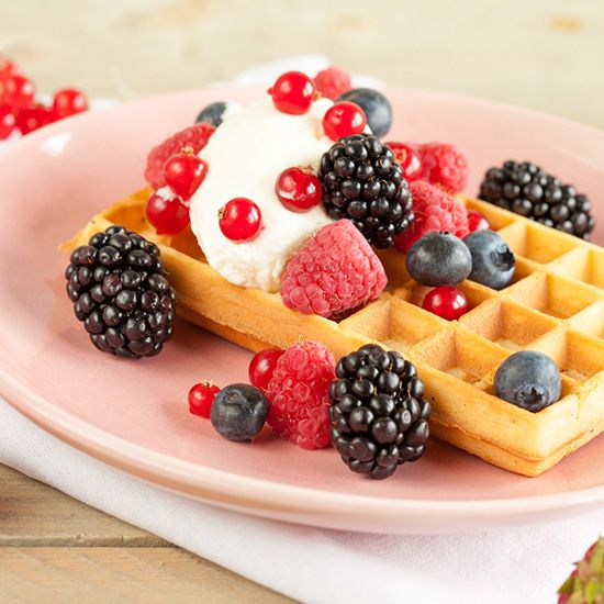 Waffles with red fruits square - Waffles with red fruits