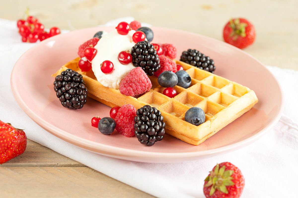 Waffles with red fruits