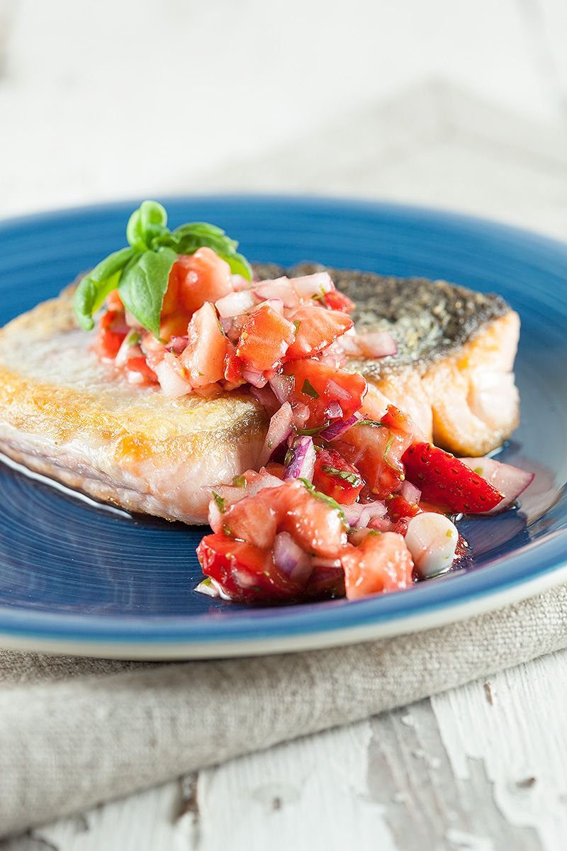 Baked salmon with strawberry salsa 2 - Baked salmon with strawberry salsa