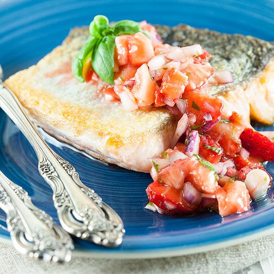 Baked salmon with strawberry salsa square - Baked salmon with strawberry salsa