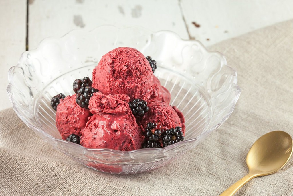 Blackberry ice cream