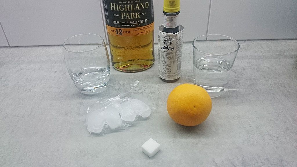 Old fashioned whiskey drink ingredients - Old Fashioned whiskey drink