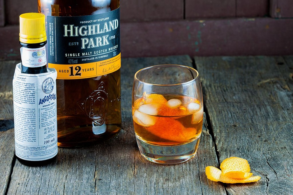Old-fashioned whiskey drink