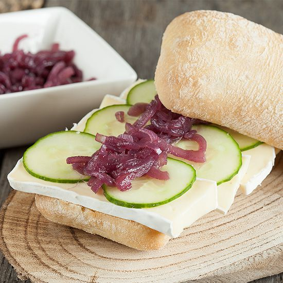 Red onion compote and brie sandwich square - Red onion compote and brie sandwich