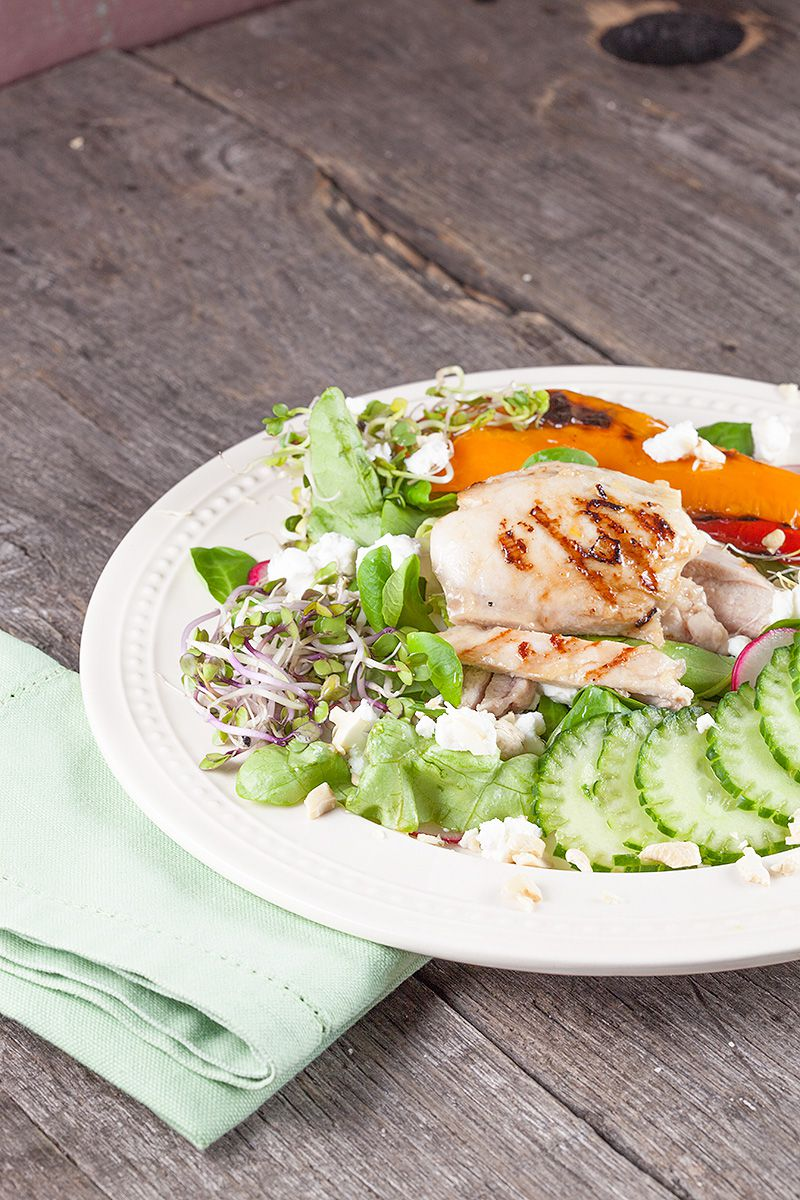 Butter salad with chicken thighs
