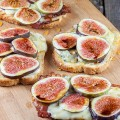 Figs bacon and blue cheese sandwich 120x120 - Autumn salad with bacon, lentils and cheese