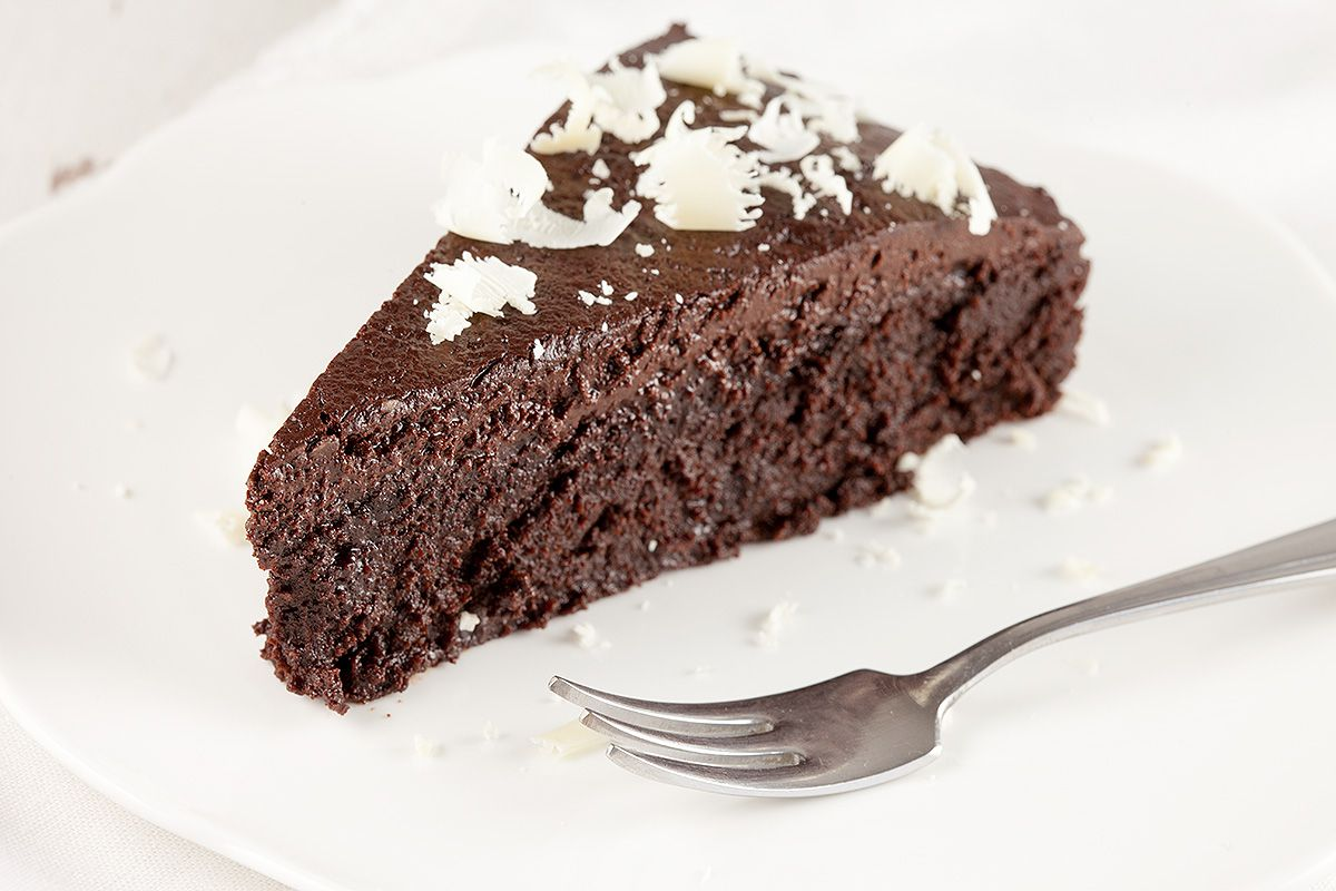 Gluten-free dark chocolate cake