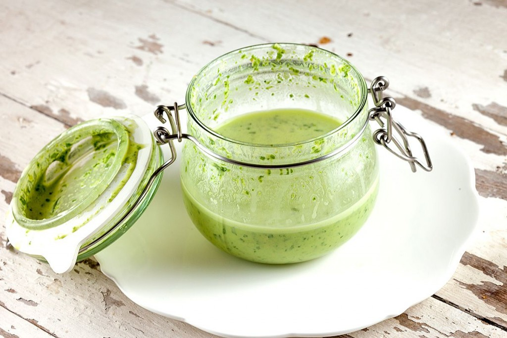 Green tahini salad dressing