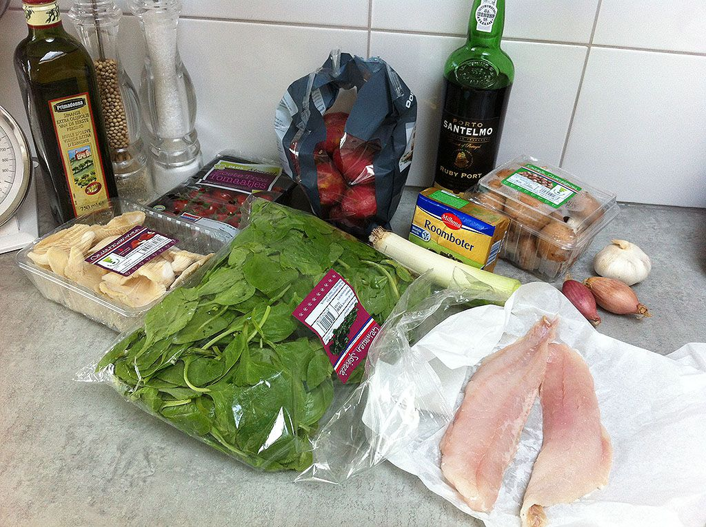 Red perch with spinach and mushrooms ingredients