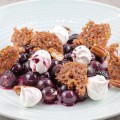 Sweet and sour warm grapes with mini merenques 120x120 - Mini meringues