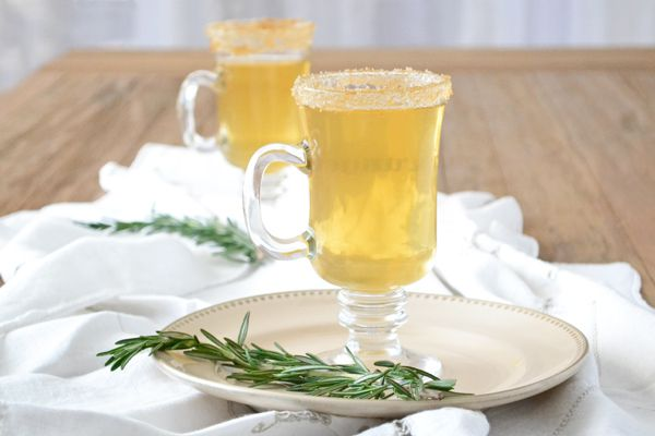 Hot apple cider recipe with rosemary