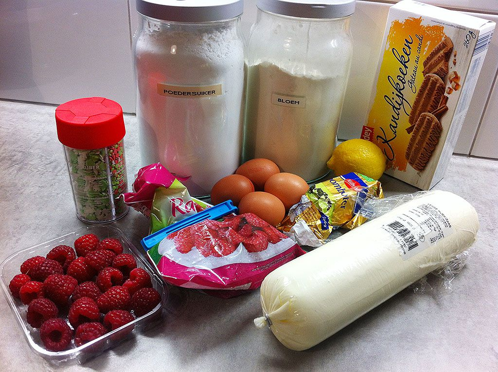 Christmas cheesecake ingredients