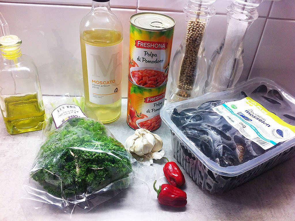 Italian mussels Taranto ingredients