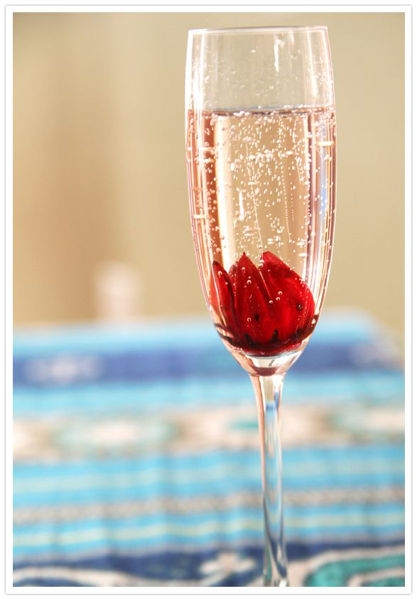 Sparkling hibiscus champagne cocktail