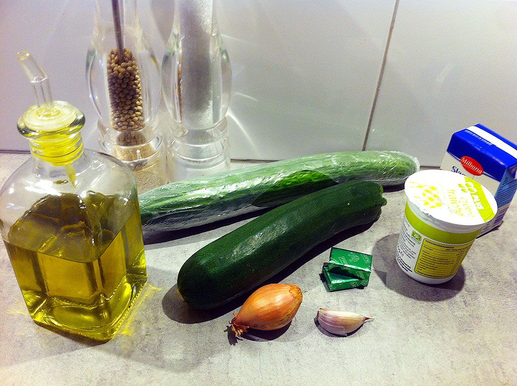 Cream of zucchini and cucumber soup ingredients