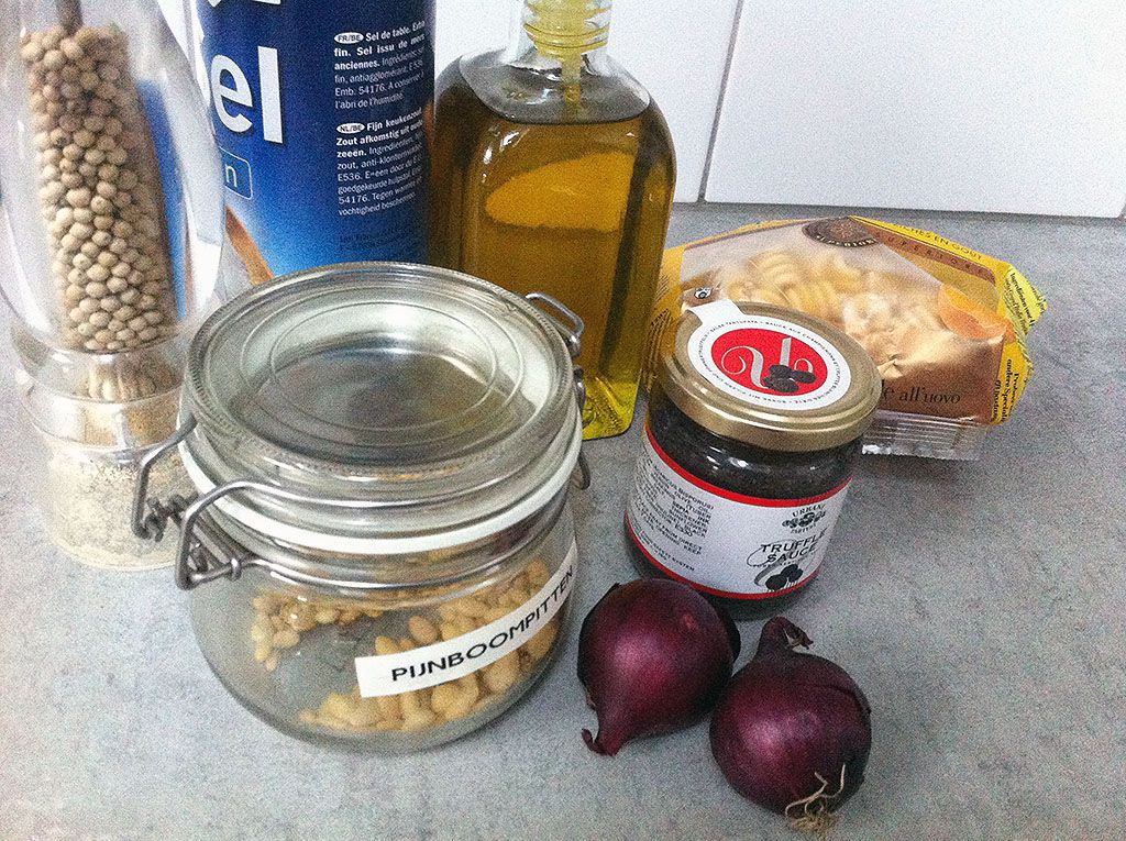 Pasta with truffle and red onion ingredients
