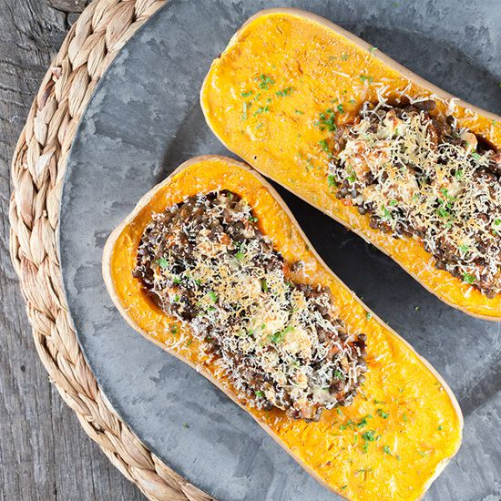 Roasted butternut squash filled with lentils and feta square - Roasted butternut squash filled with lentils and feta