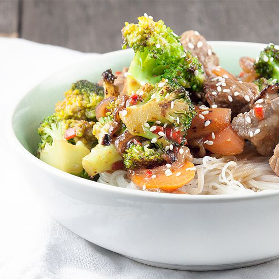 Beef stir fry with broccoli and hoisin sauce